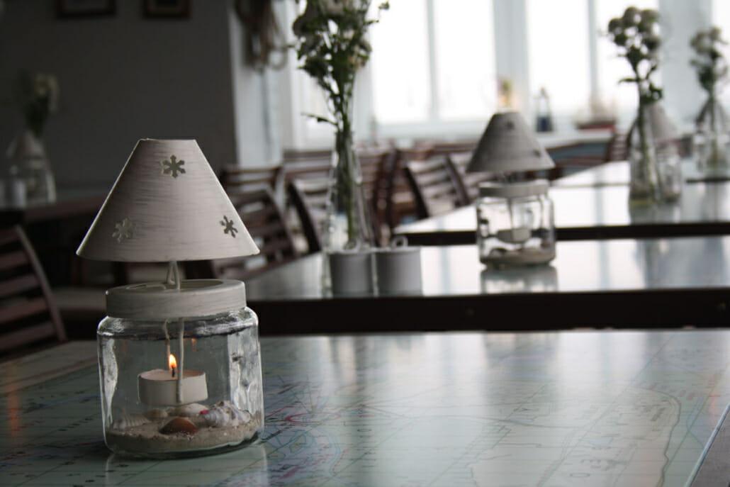 Nahaufnahme Tisch in einem Restaurant